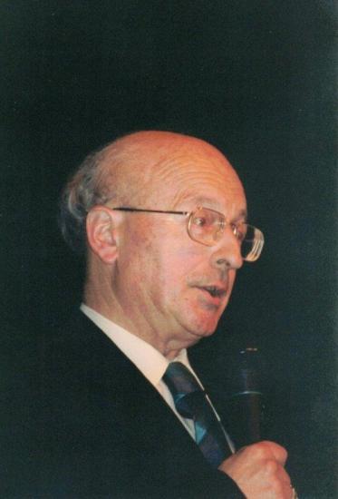 Roland strauss 13 5 2001